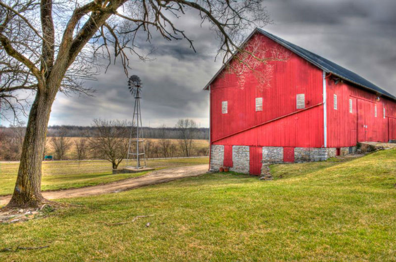 Chrisholm_Page_Red_Barn_101816-w800-h600